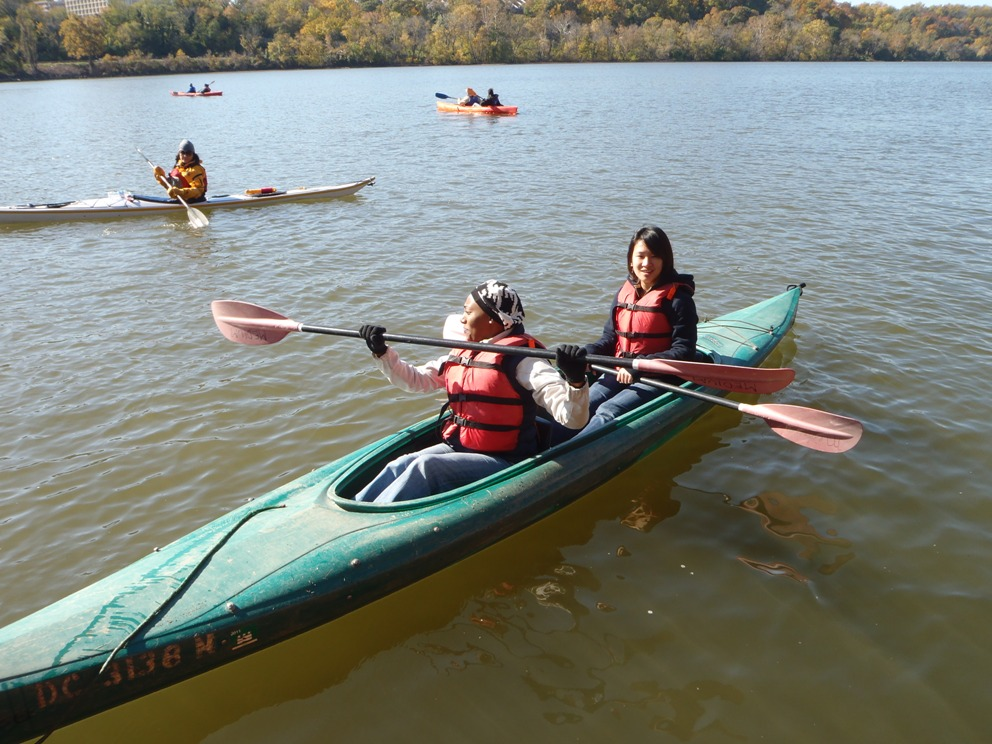 Groundwork Anacostia Green Team youth paddle the Potomac River